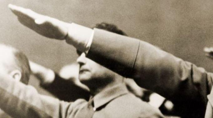 Las nuevas dictaduras: obecede o padece